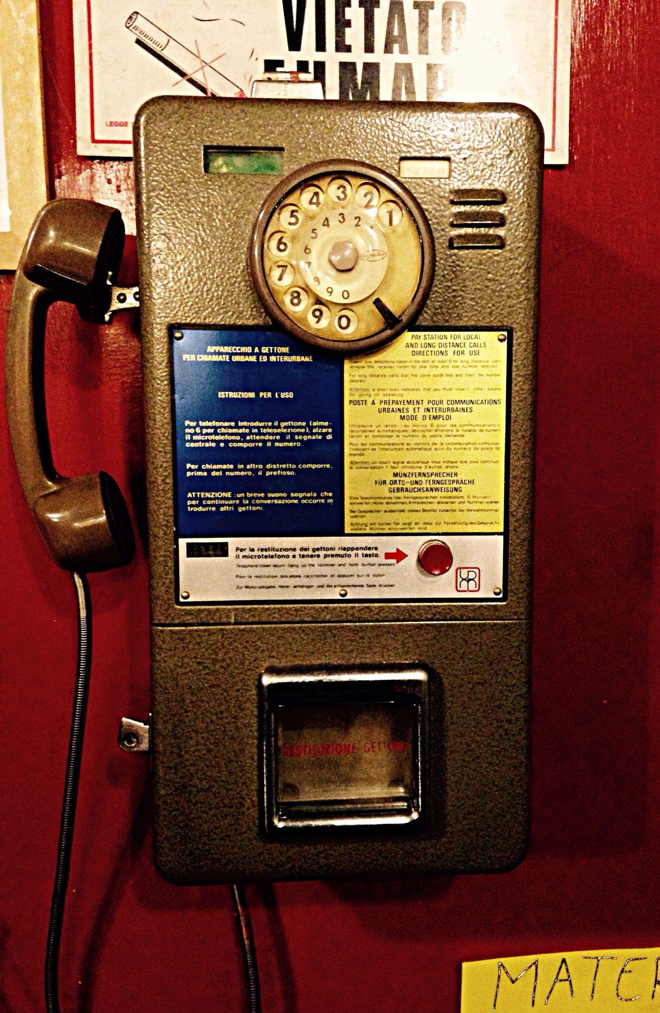 Il telefono a gettoni! Che ricordi ragazzi!!! L'aggiusta Biciclette Telephone Bike Ride Old Telephone