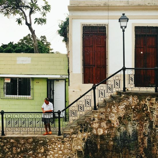 Building Exterior Architecture Adult Latin America Caribbean The Caribbean Dominican Republic Colonial Architecture Meizumx6 Colonial Style Colonial Cities