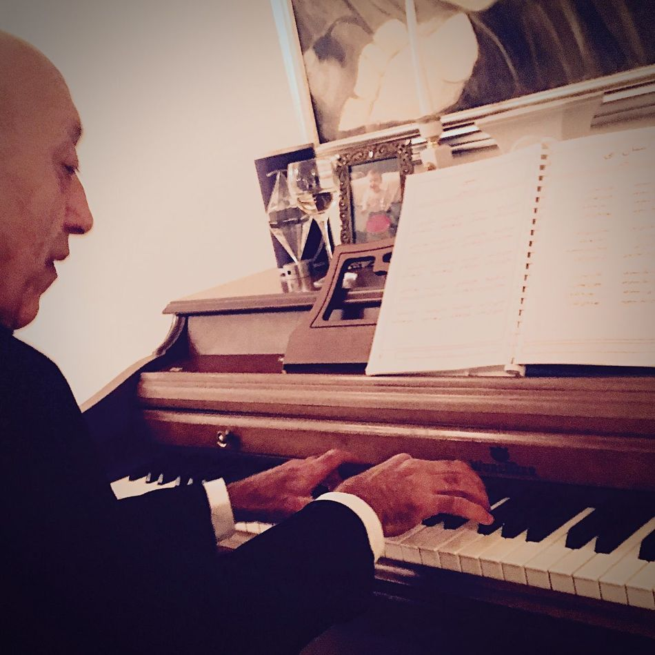 Piano Moments Music Piano Musical Instrument Lifestyles Indoors  Real People One Person Dad Keys EyeEm Gallery EyeEm Best Shots Arabic Persian Leisure Activity Playing Home Interior Musician Men Pianist Human Hand Day People Adult Wurlitzer
