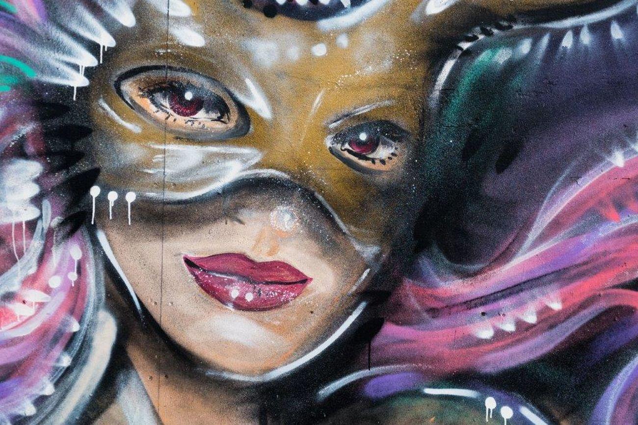 Spray Paint Londra UrbanART STRRET ART/GRAFFITI LONDON❤ StreetArtEverywhere London Streetartphotography ArtWork Urbanarts Graffiti Art Art Street Art Creativity Streetart England🇬🇧 Graffiti Multi Colored One Person Spray Can Artwork Live, Love, Laugh