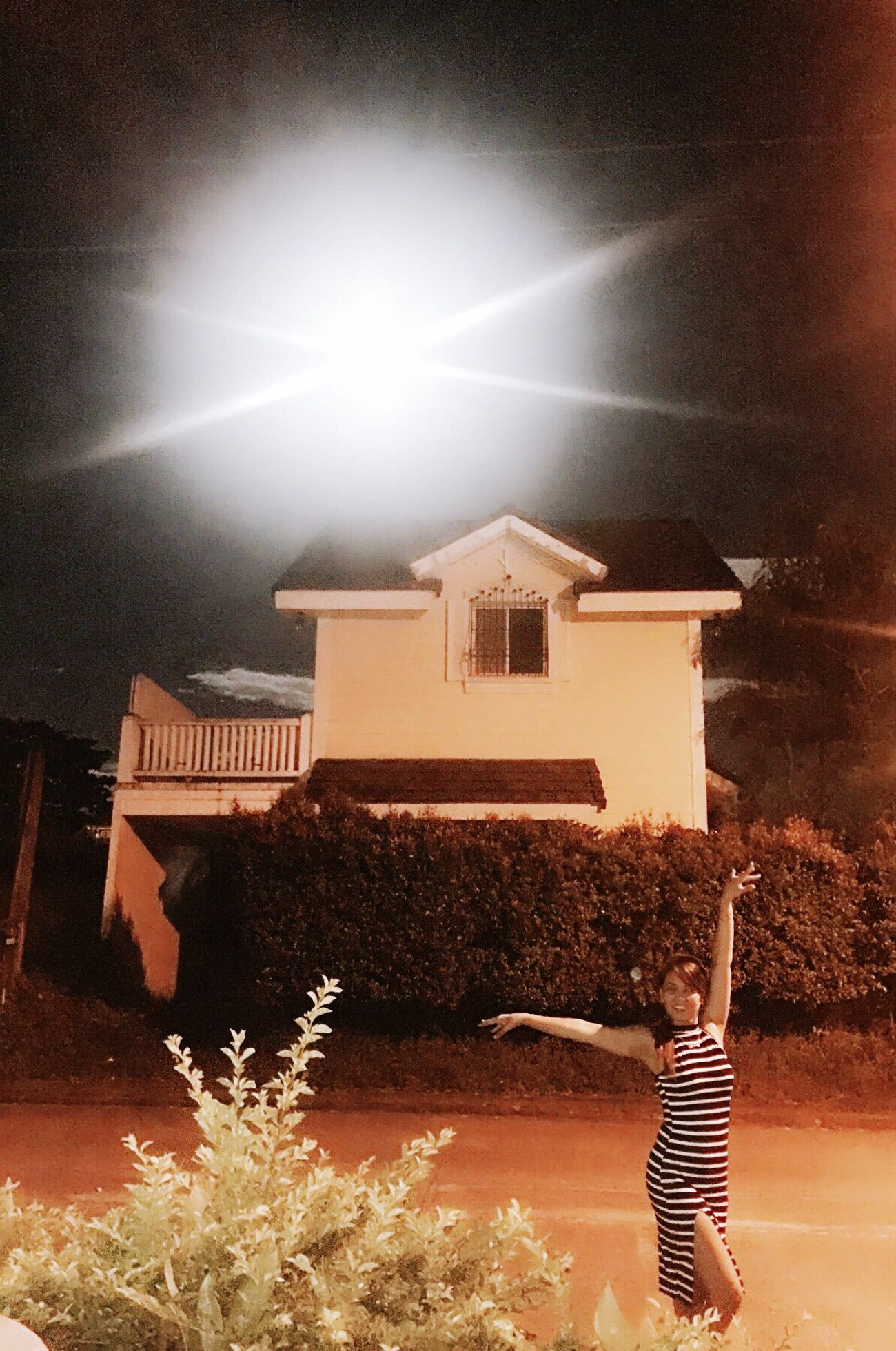 This how big and bright he is... Rare moment with Super moon... Sambapose_everywhere