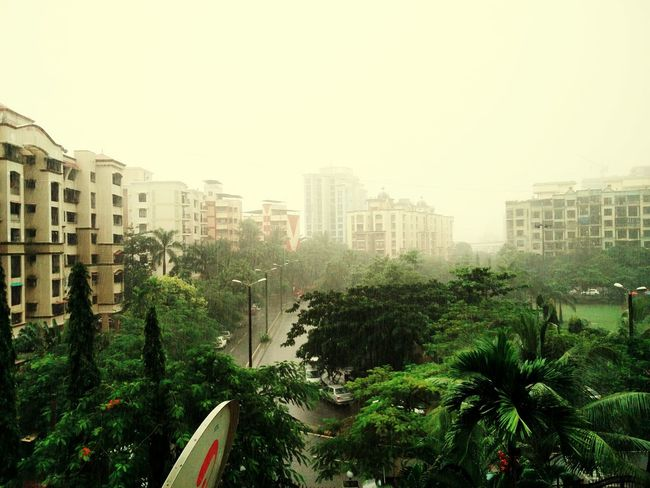 Its been raining the whole day... Lovely Weather Rainy Day Hey Eeyem Oneplusphotograpgy MumbaiDiaries