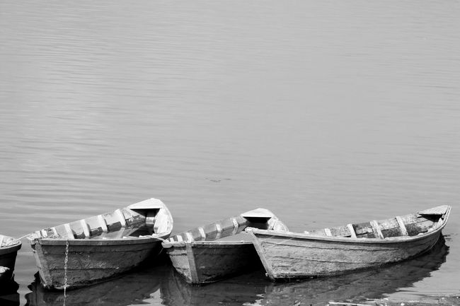 B&w Photography Black And White Photography Blackandwhite Photography Boats Boats And Water Moored Nautical Vessel Old Boat Old Boats Rowboat Tranquil Scene Tranquility Water Waterfront