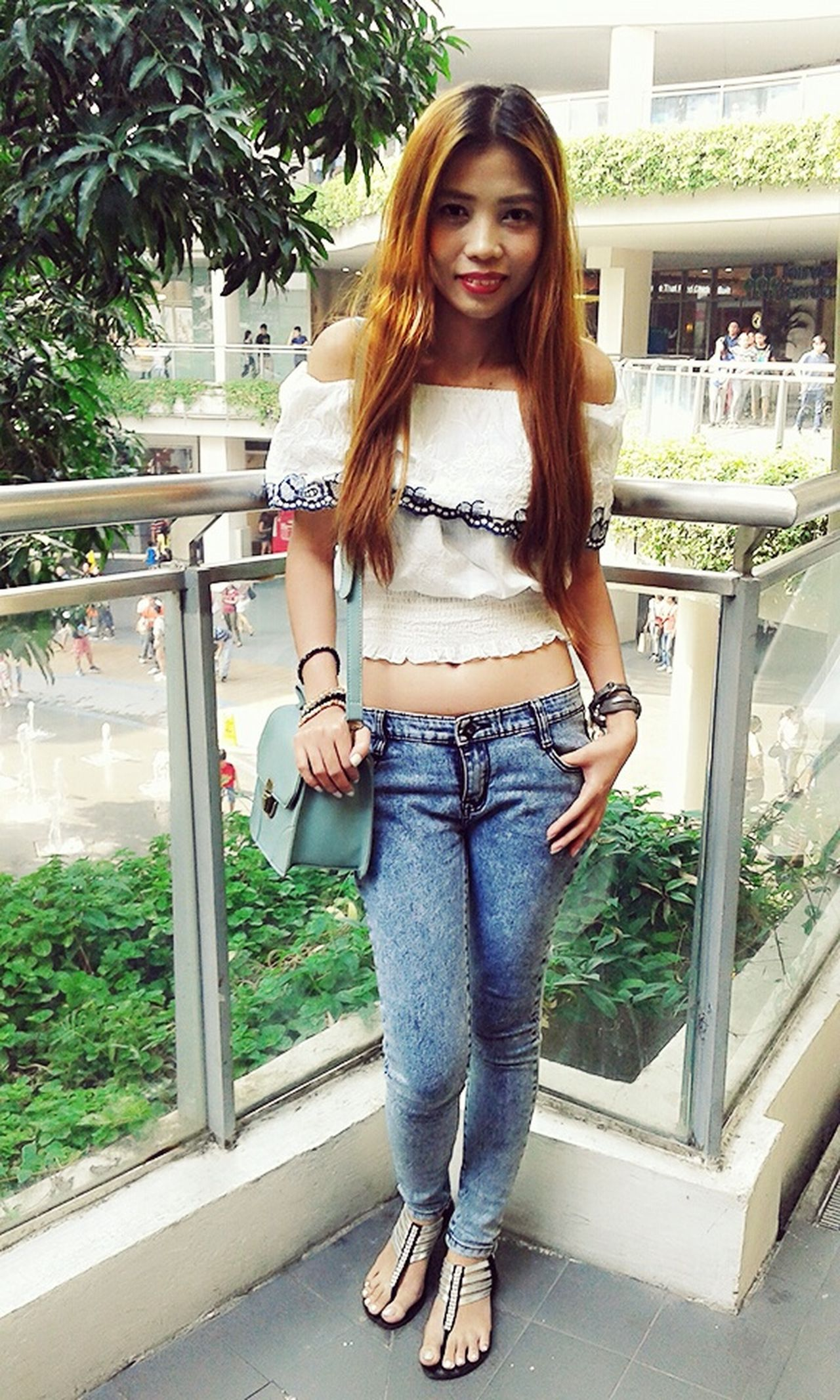 Hi! That's Me Ootd Casual Look Off Shoulder Top CropTop Skinny Jeans Blondehairdontcare Simply Pretty Keeping It Classy Express Yourself ❤ Be Yourself Me Time ♥ Beauty In Ordinary Things Simplicity Filipina Simplicity.  Just Chillin' My Blog http://jennyfashionillustration.jimdo.com
