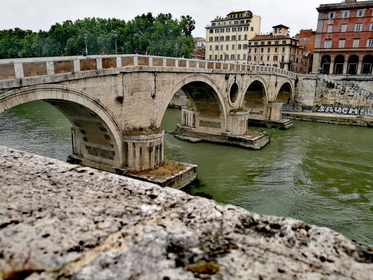 Bridge - Man Made Structure Architecture Built Structure Arch Water River History Outdoors Day No People City Sky Nature Walking Passeggiando Roma Rome Architecture_collection Architecturecollection Turisti Tevere River Tevereterno Lungotevere Beautiful Places