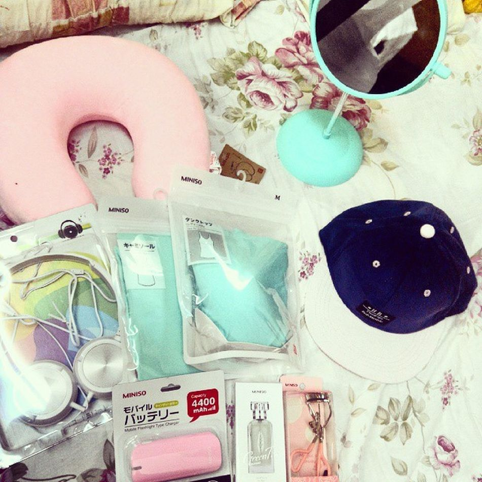 Hang out a whole day buying tons of daily necessities...can't wait for the upcoming hostel life in uni 😝😝😝😝 Tiffanyblue And Pink Are  My Favoritesssss