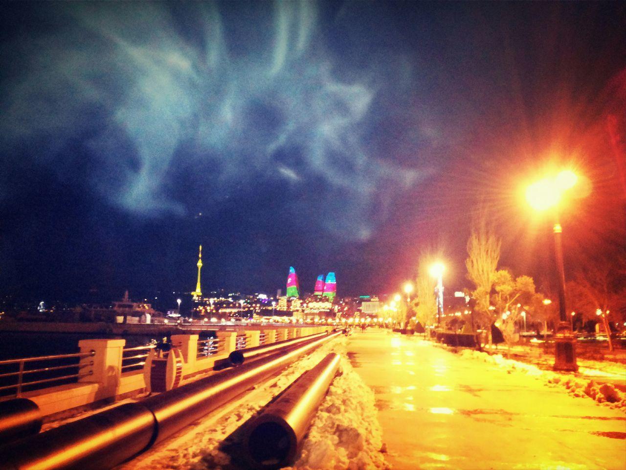 Ekskuliziv olaraq☺Hello World Beautiful Beautiful Day Faces Of EyeEm EyeEm Best Edits Enjoying Life Azerbaijan Today's Hot Look Nightlife Popular