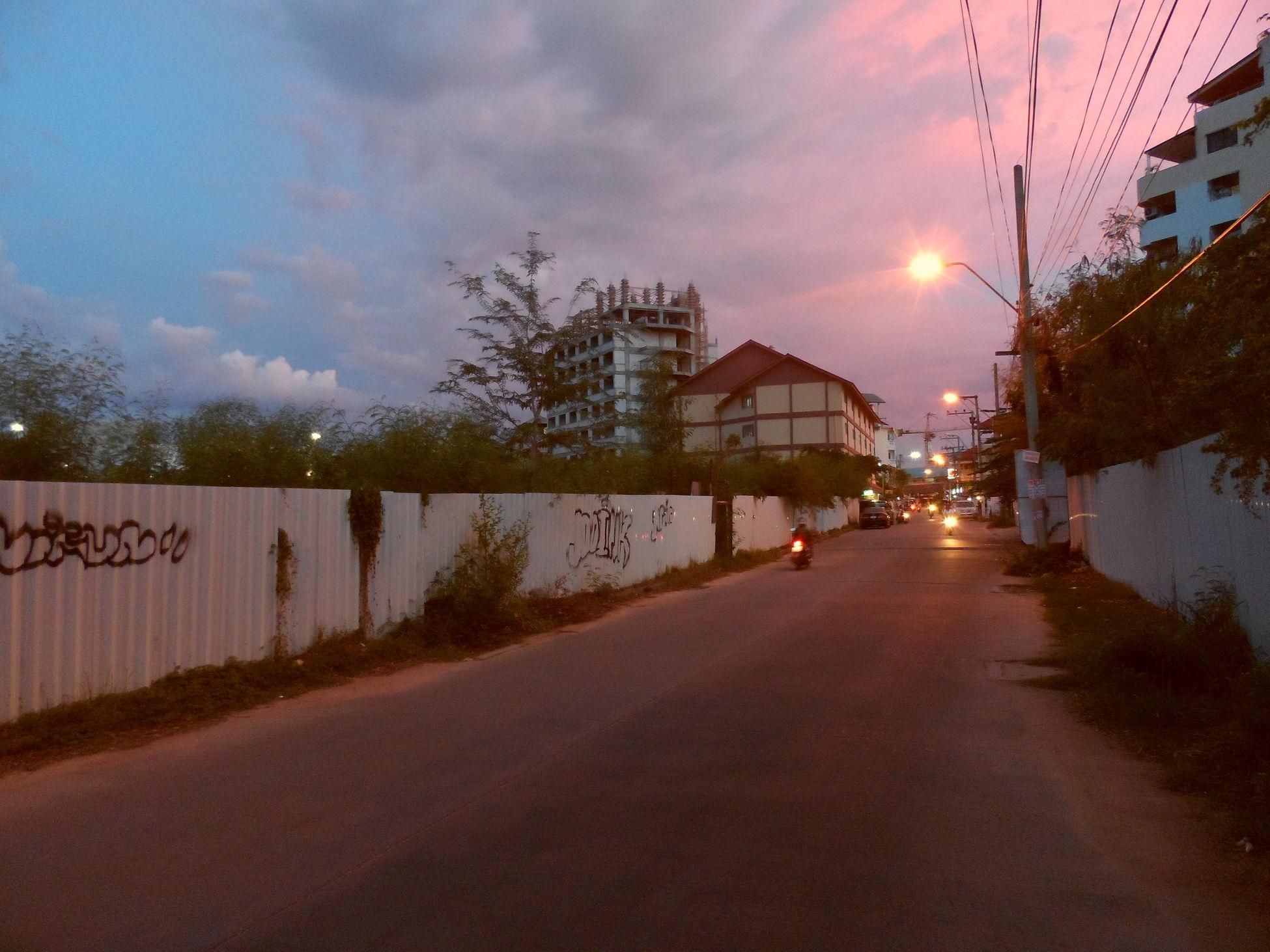 Neighbourhood at Dusk ..........Simple Life City