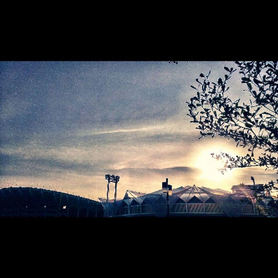 IndoorStadium Huamark Bangkok Silhouette Twilight Sunset NationalStadium  Htc8x