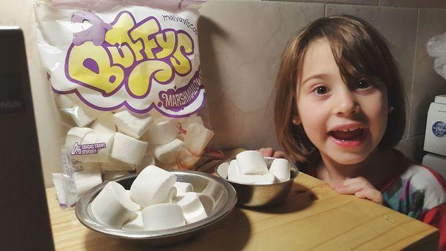 Kids Being Kids Malvaviscos Marshmallows Marshmallow Marshmellow Golosinas Candy Sweet Things Martindh_fotografía Kidsphotography