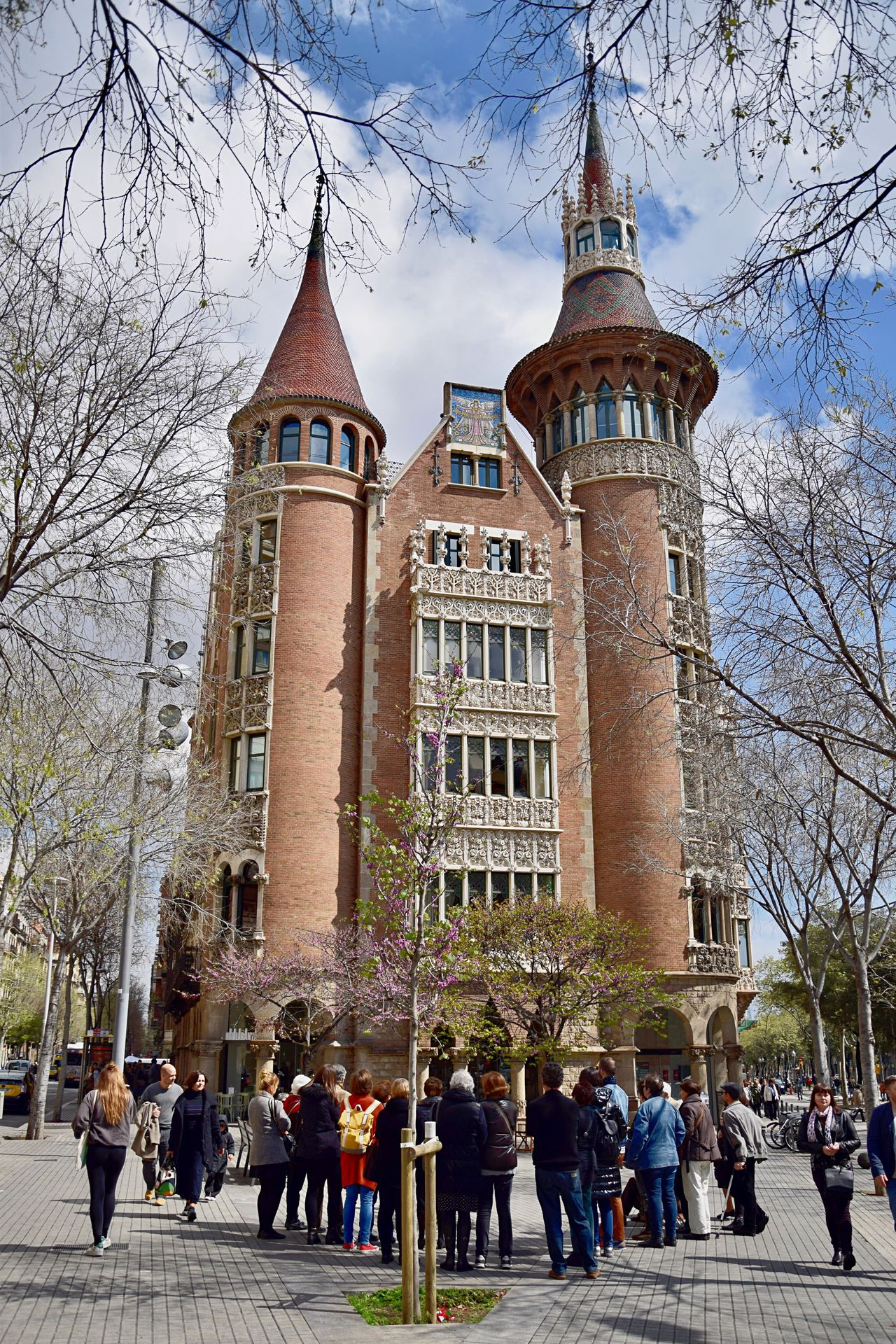 Architecture Building Exterior Travel Destinations Tourism City Tree History Built Structure Sky Outdoors Large Group Of People People Day Place Of Worship Churches Church Barcelona Streetphotography Catalunya SPAIN Religion City Clouds And Sky