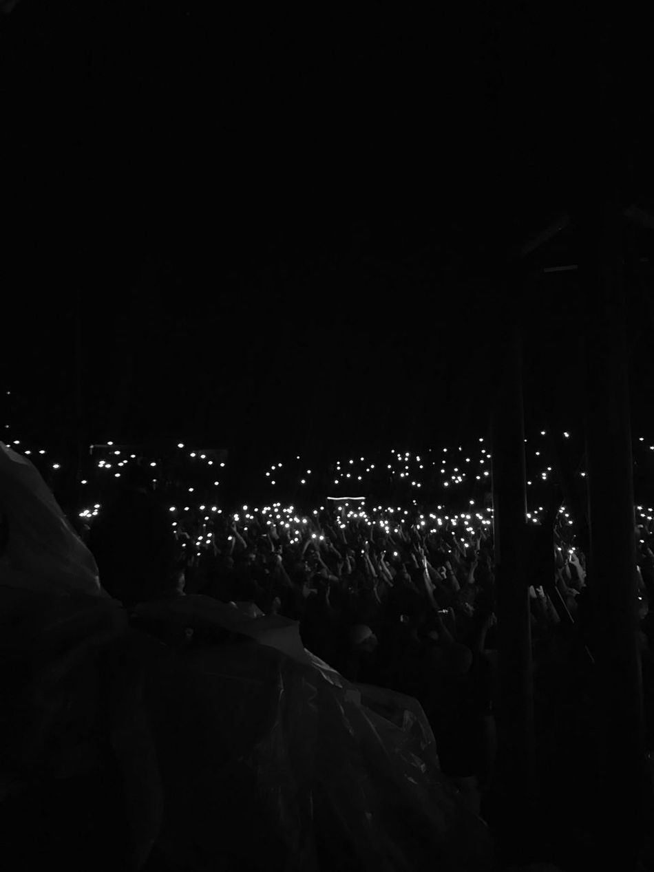 Illuminated Real People Night Event Blink182
