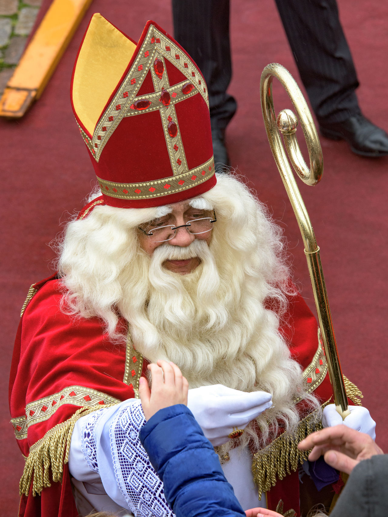 Children Festive Season Happy Head And Shoulders How You Celebrate Holidays Intochtsinterklaas Kinderenaanhetwater Long Hair Netherlands Saint Santa Claus Sinterklaas St. Nicolas Zwarte Piet The Culture Of The Holidays The Festive Season