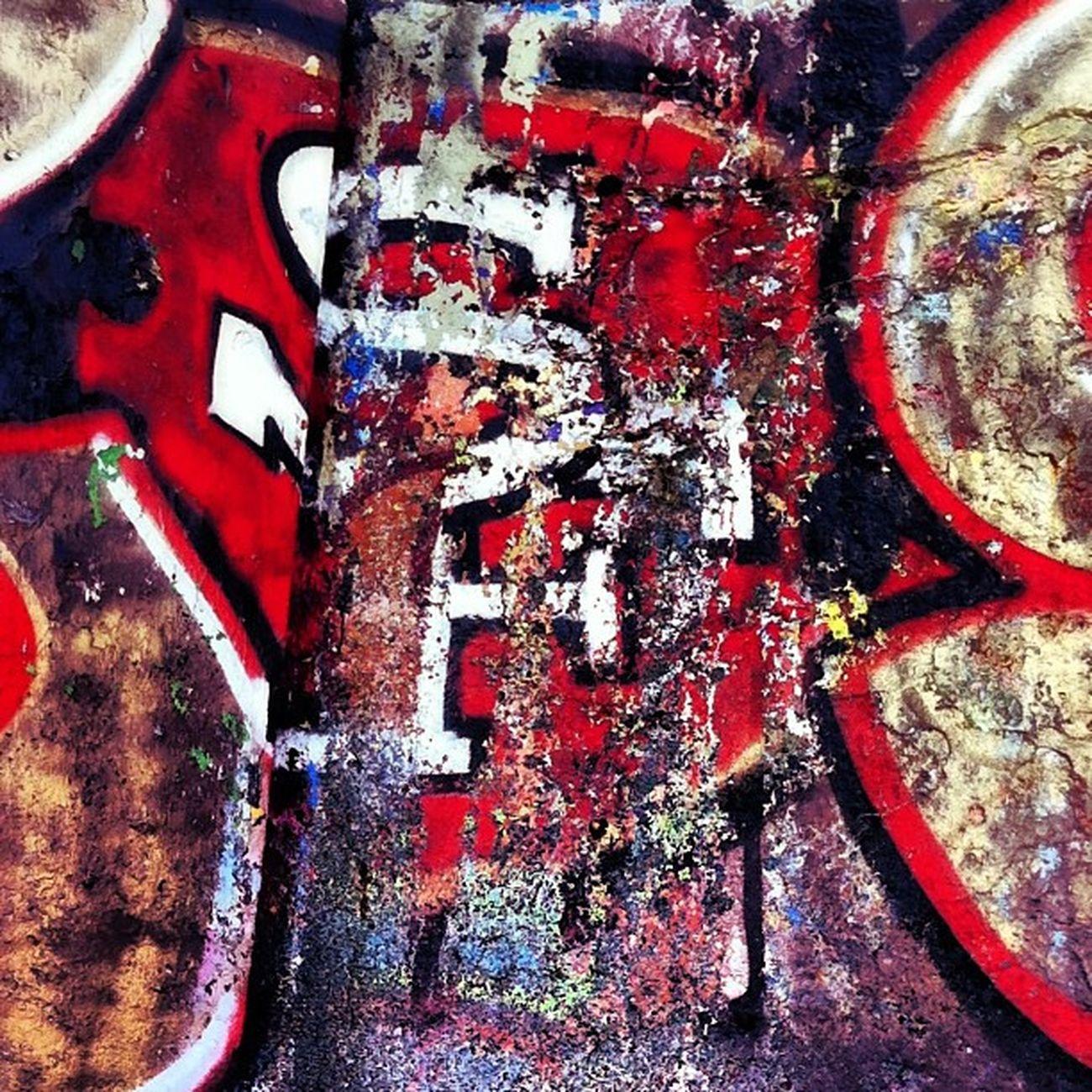 NINERS Graffiti TheCity Bayarea Bolinas beach beachart 49ers sanfrancisco redandgold superbowl 2013