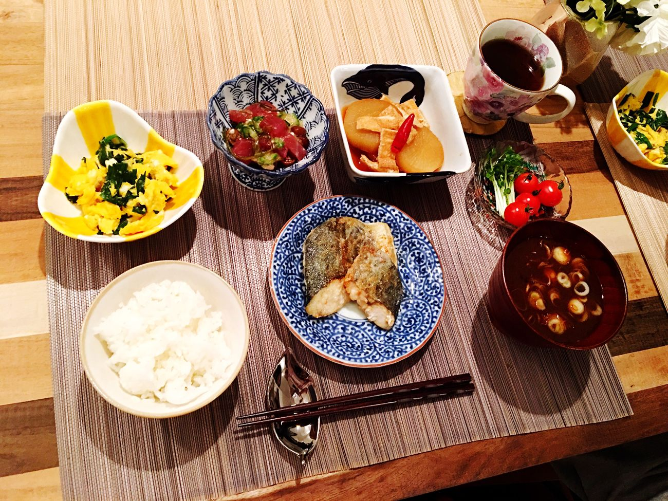 Today's Dinner 鰆のバター焼き ニラ玉 大根と油揚げの煮物 なめこと豆腐の赤だし ととぶつ屋の ねばとろまぐろ Healthy Eating Ready-to-eat Japanese Food SoDelicious Cooking Food Porn Foodporn Dinner Time Spanish Mackerel Butter Nira Egg Radish Aburaage Nameko Tofu Tuna