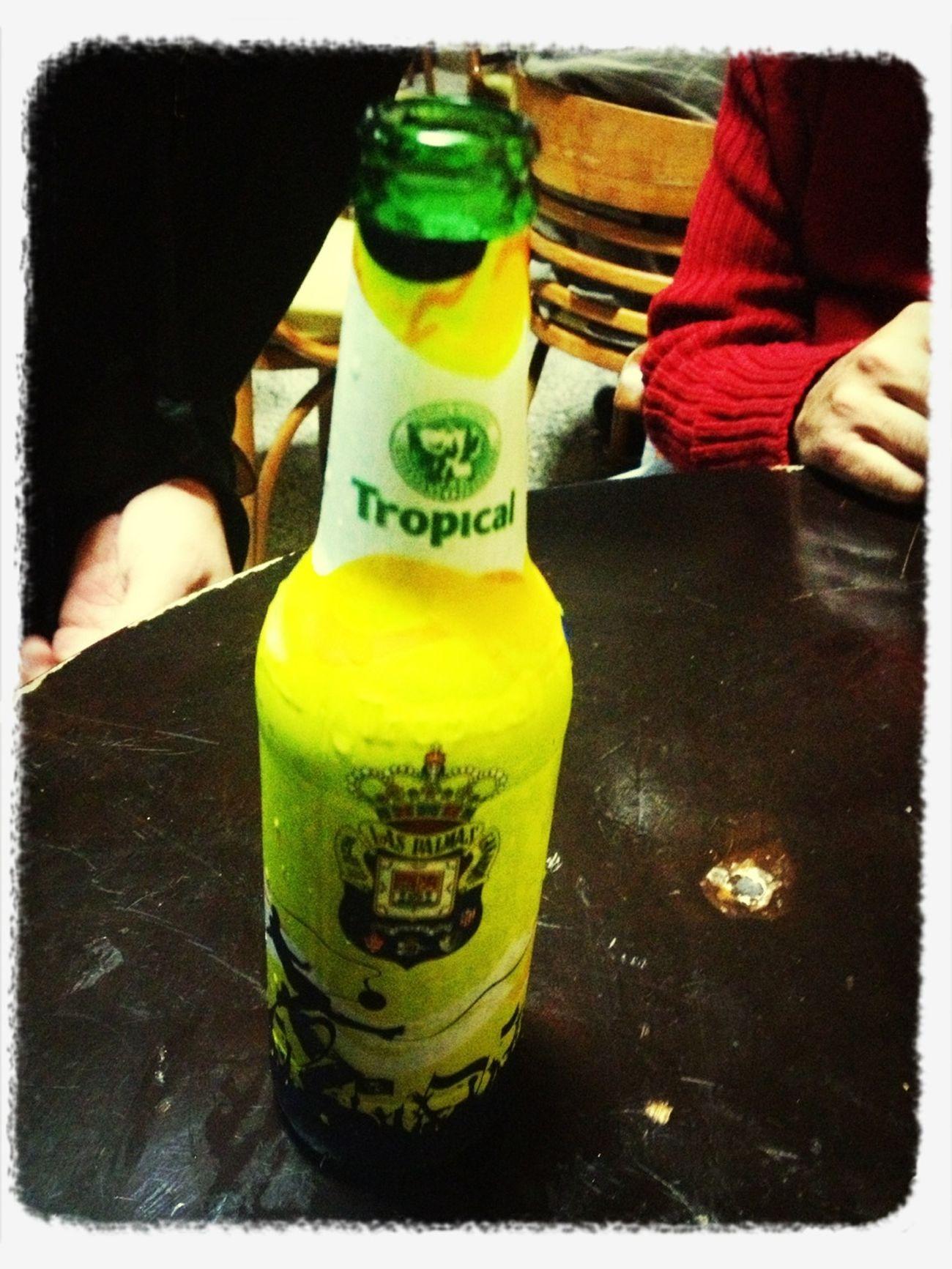 Compartiendo Una @cervezatropical Con Los Trujillo