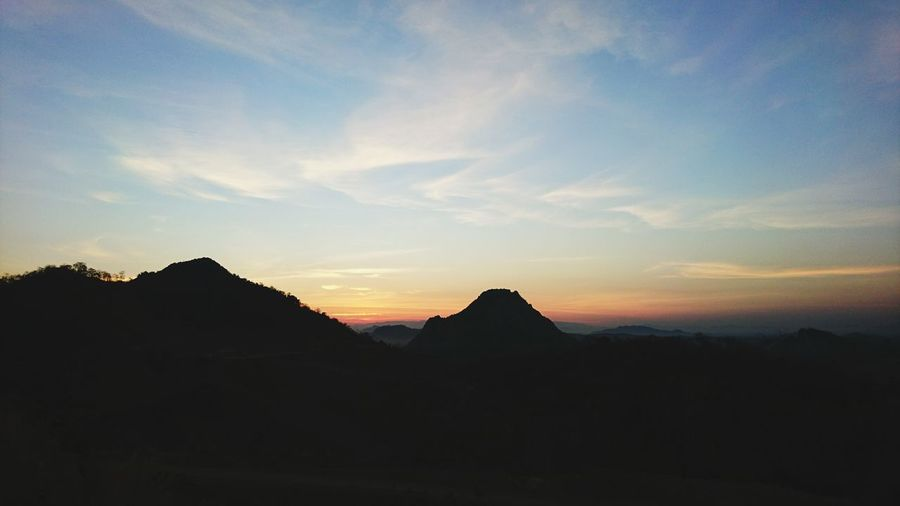 Landscape Sunrise Sun Sky Mountain Cloud - Sky No People Nature Moutain View Moutain And Sky