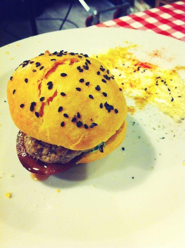 I sa darrera, hamburguesa cinc sentits