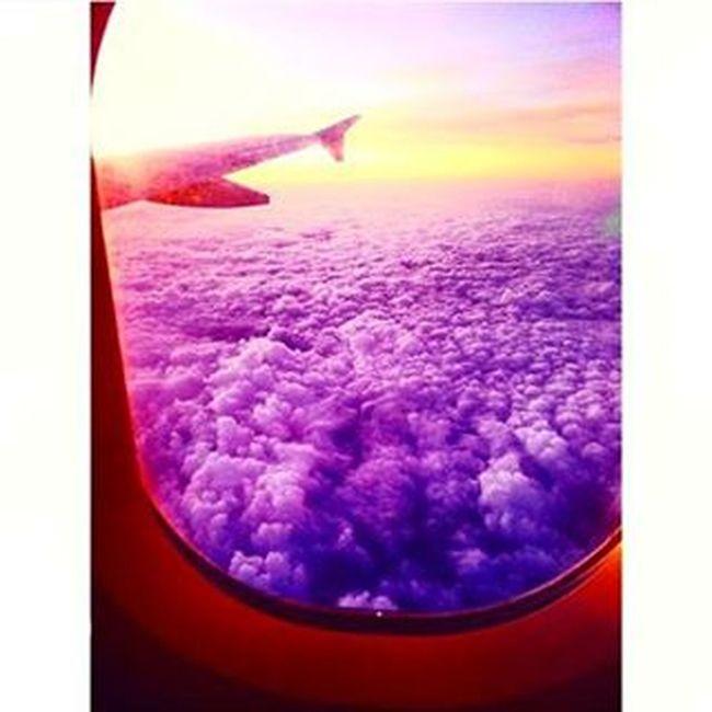 Σ'αγαπάω ρε Αθήνα,να ξέρεις.😉 Backtoathens Athens Athenscity Greece Backtoreality Homesweethome Airplane Clouds Purple Sun Window Myviewrightnow Amazingview Beautinessoverload Loveisallyouneed  Shareyourlove