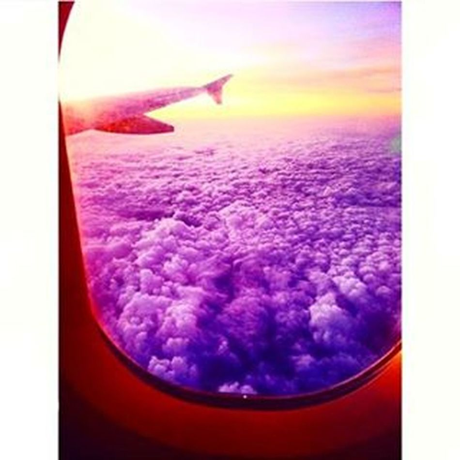 Σ'αγαπάω ρε Αθήνα,να ξέρεις.😉 Backtoathens Athens Athenscity Greece Backtoreality Homesweethome Airplane Clouds Purple Sun Window Myviewrightnow Amazingview Beautinessoverload Loveisallyouneed  Shareyourlove