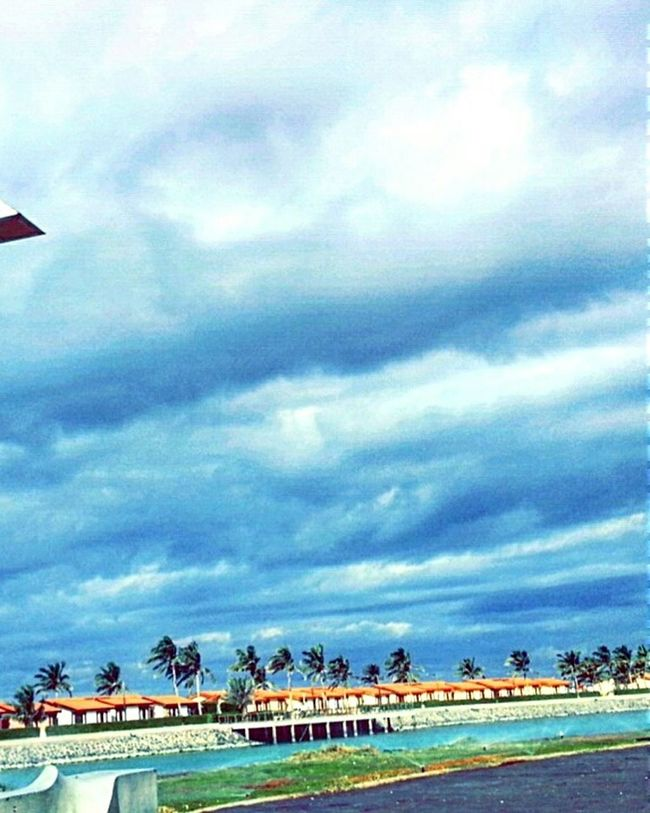 بحر_جدة Sweet Moments صباح_الغيوم Sea And Sky كلنا_مصورون Butiful 💙☁🌴