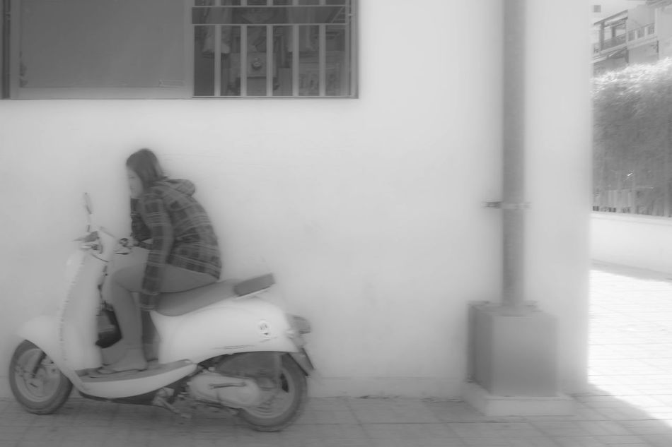 Scooter White Background Variation Culture Street Photography Street Phnom Pehn Streetlevel Picture Individuality