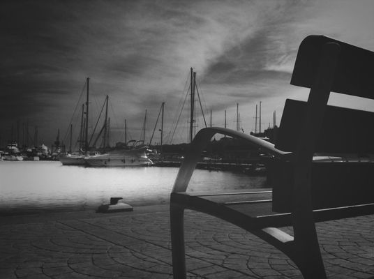 Relaxing at port mahon by Berpax