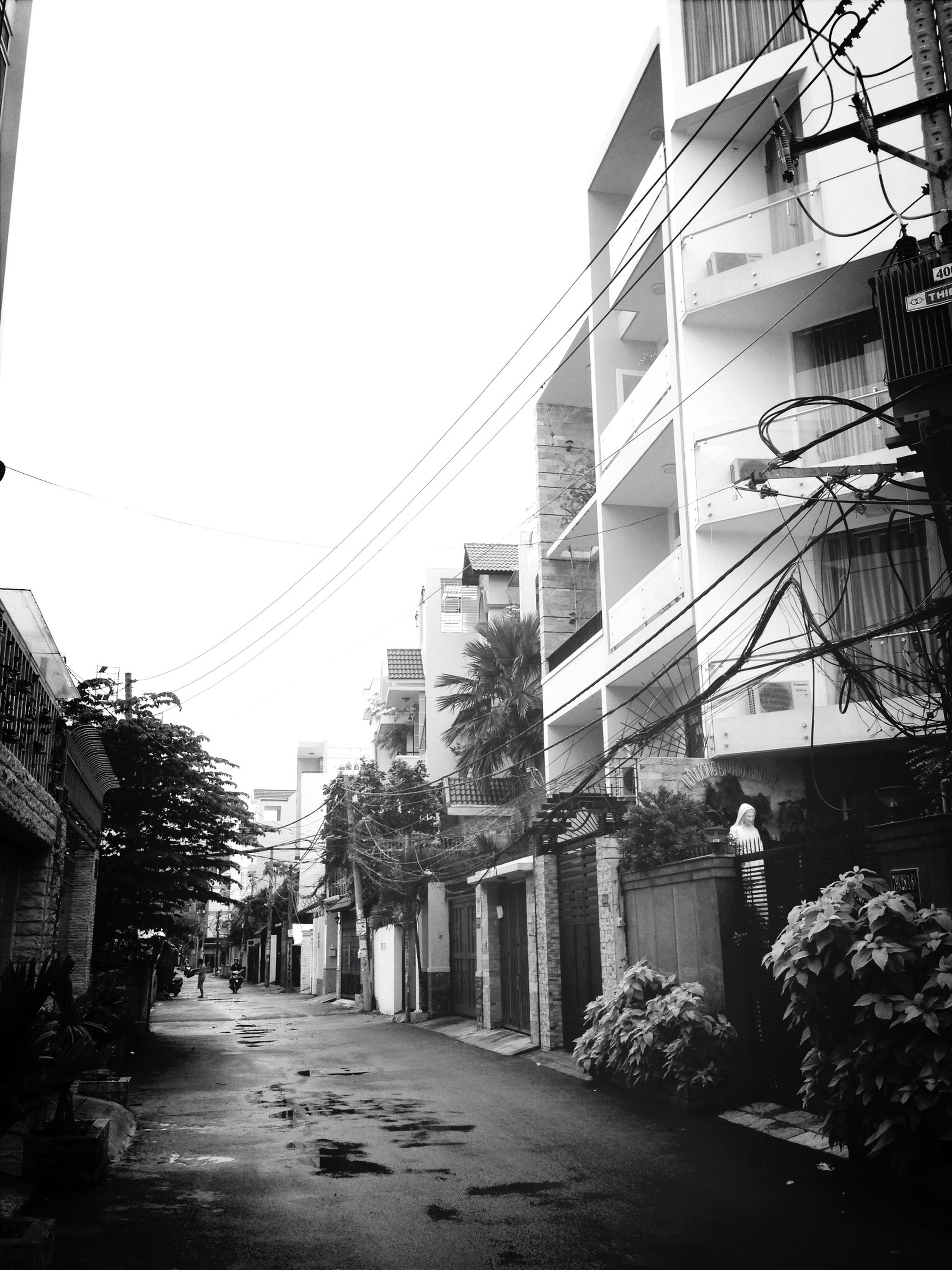 It was rainy and cold outside. Something sad hung in the air. Architecture Blackandwhite Instamood Lonely