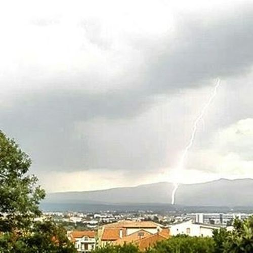 Thunder Thunderbolt Today Clouds Cloudy Picoftheday Rallenty Freezing