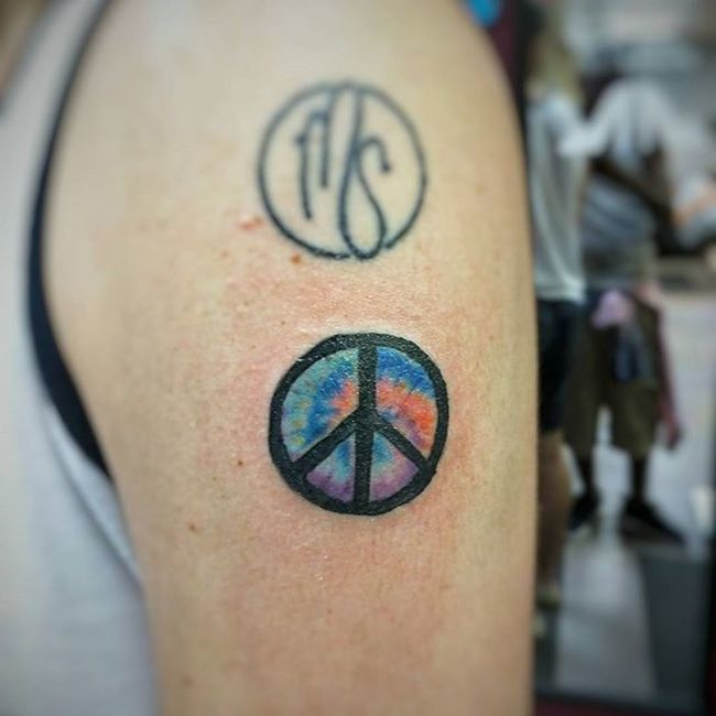 Lol tie dye tattoo??? Nailed it 🙋🙋🙋😝😝😝😝😝