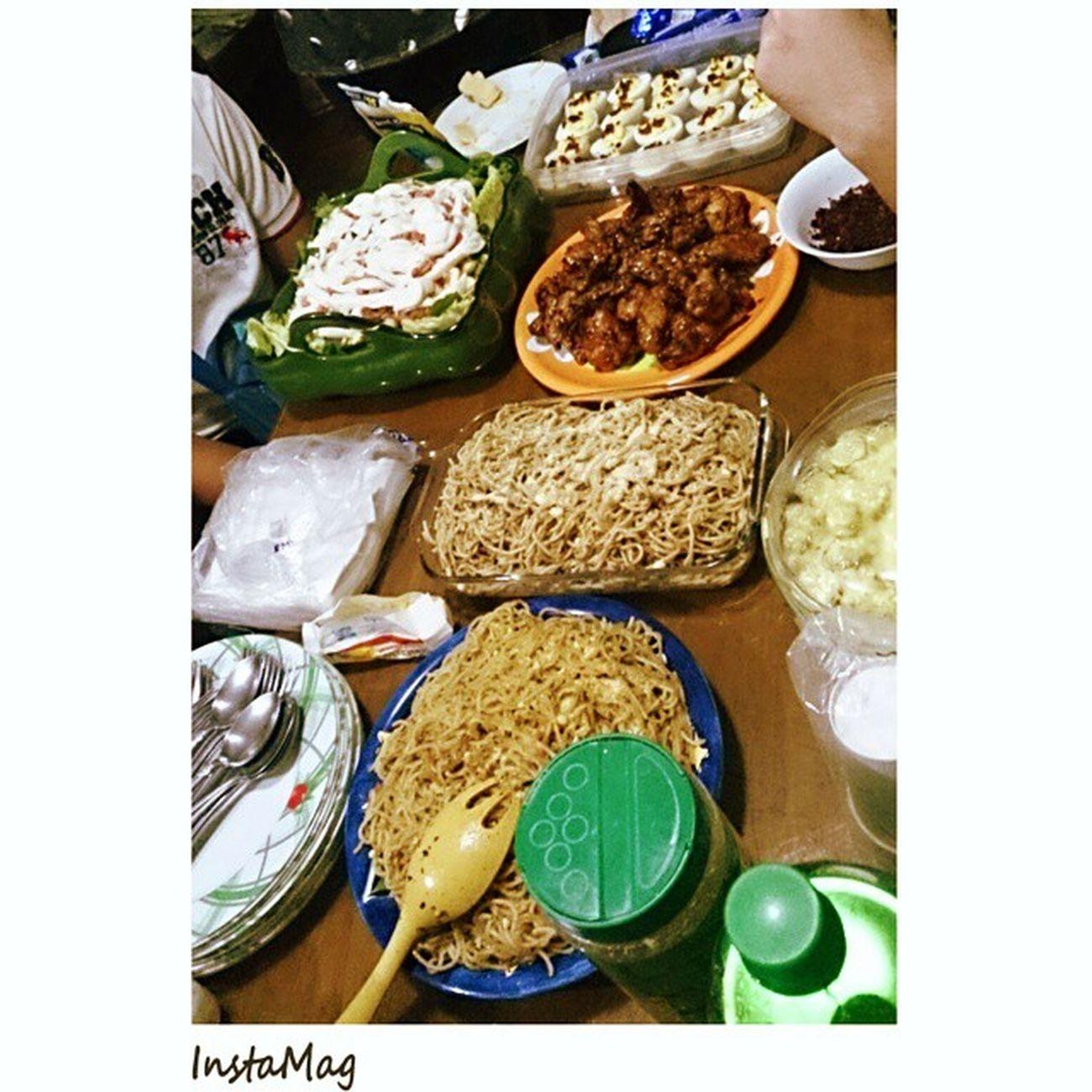 Thank you Tibia Family! Busog sarap.. Baka mapanaginipan ko to, mag sleepwalk ako 'gang san pedro.. Hahaha.. Musicministryfellowship