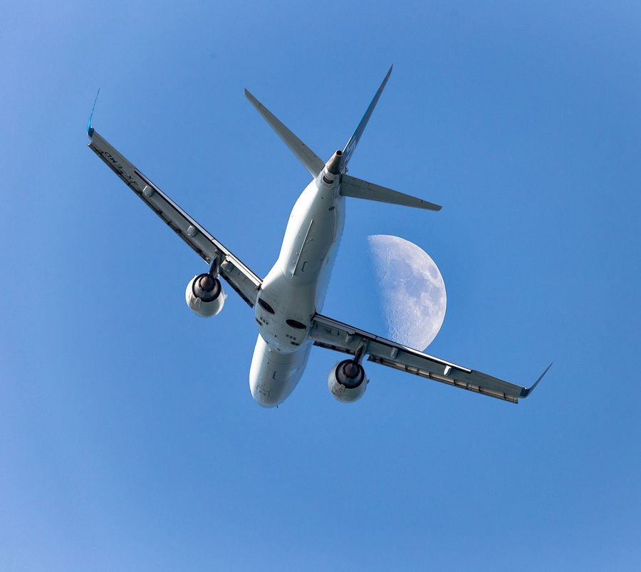 Embraer ERJ -190 Air Vehicle Aircraft Airplane Aviation Aviationphotography Blue Clear Sky Day Embraer ERJ -190 Flight Flying Low Angle View Moon Moon Shots Moon Surface Moon_collection Outdoors Sky Skyporn Transportation