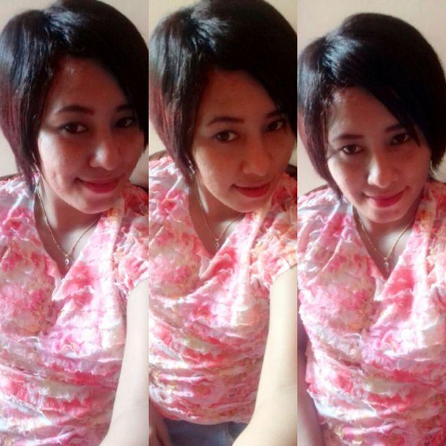 Taking Photos That's Me Hello World Enjoying Life Asiagirl Lookmyface Love ♥ Popular Photos Selfie ✌ Hello World Pink Pink Color EyeEmBestPics Smart Girl