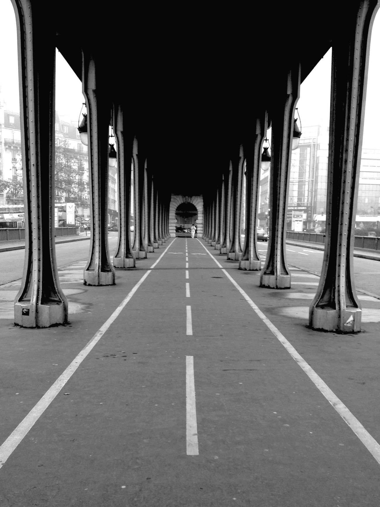 BNW PARIS walking alone Bnw Paris ❤