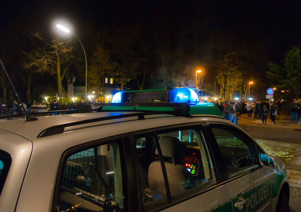 Blaulicht Bluelight Car City Illuminated Night No People Outdoors Police Car Polizei Polizeiauto Polizeieinsatz Transportation