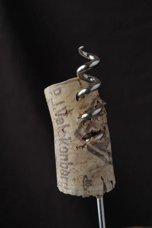 開栓失敗 Black Background Close-up Colored Background Cork - Stopper Corkscrew Failure  No People Opening Studio Shot Wine Wine Cork ワイン 失敗 螺旋