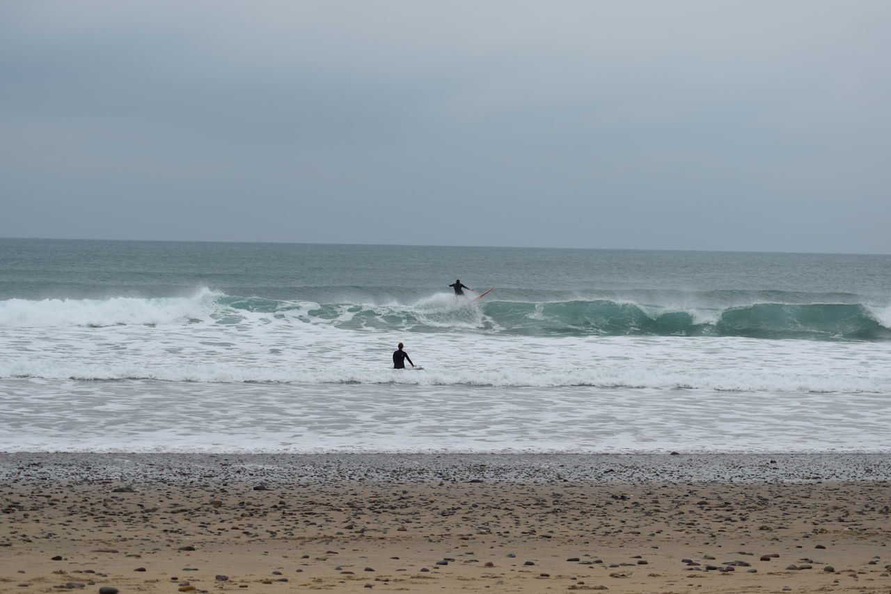 Beach Beachlife Catching A Wave Coast Coastine Cold Early Morning Early Surfing Fresh Freshwaterwest Paddle Out Pembrokeshire Pembrokeshire Coast Riding A Wave! Sea Surf Photography Surface Level Surfer Surfer Dudes Surfers Surfing Surfs Up Watersport Waves Wetsuit