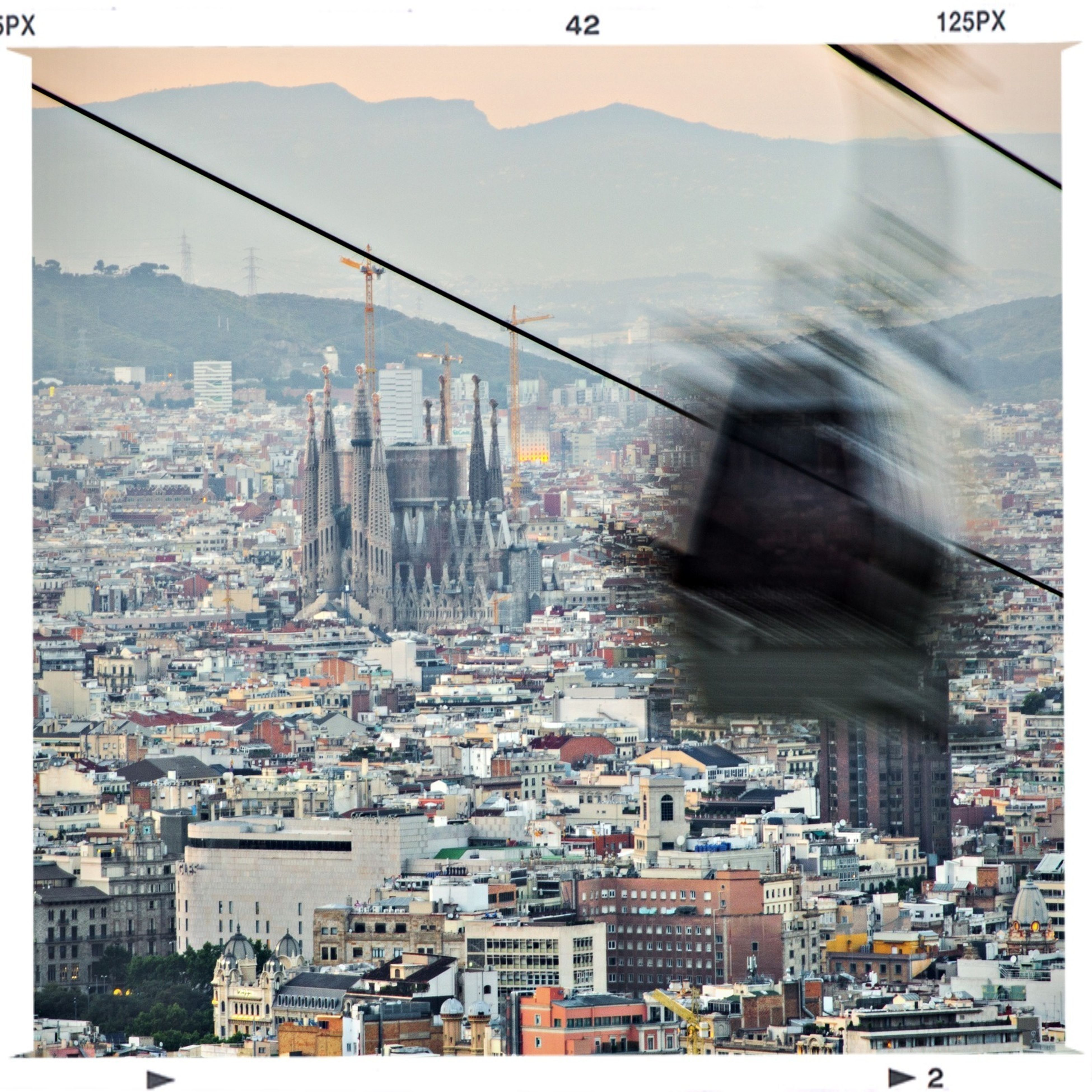 Schattenspiel  Barcelona skyline, Sagrada Familia views.