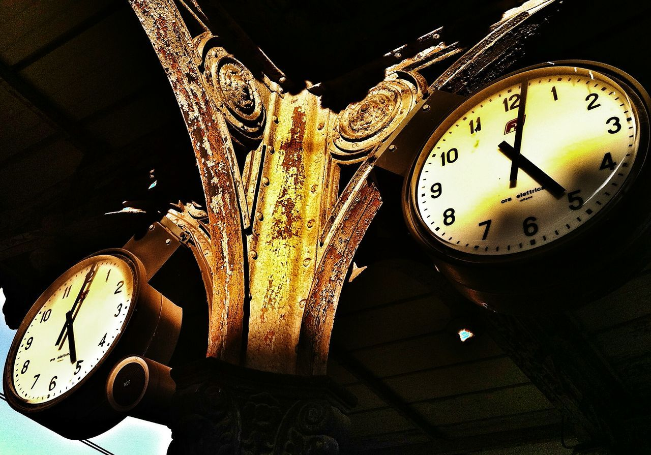 clock, time, night, indoors, close-up, no people, old-fashioned, illuminated, technology, clock face, minute hand