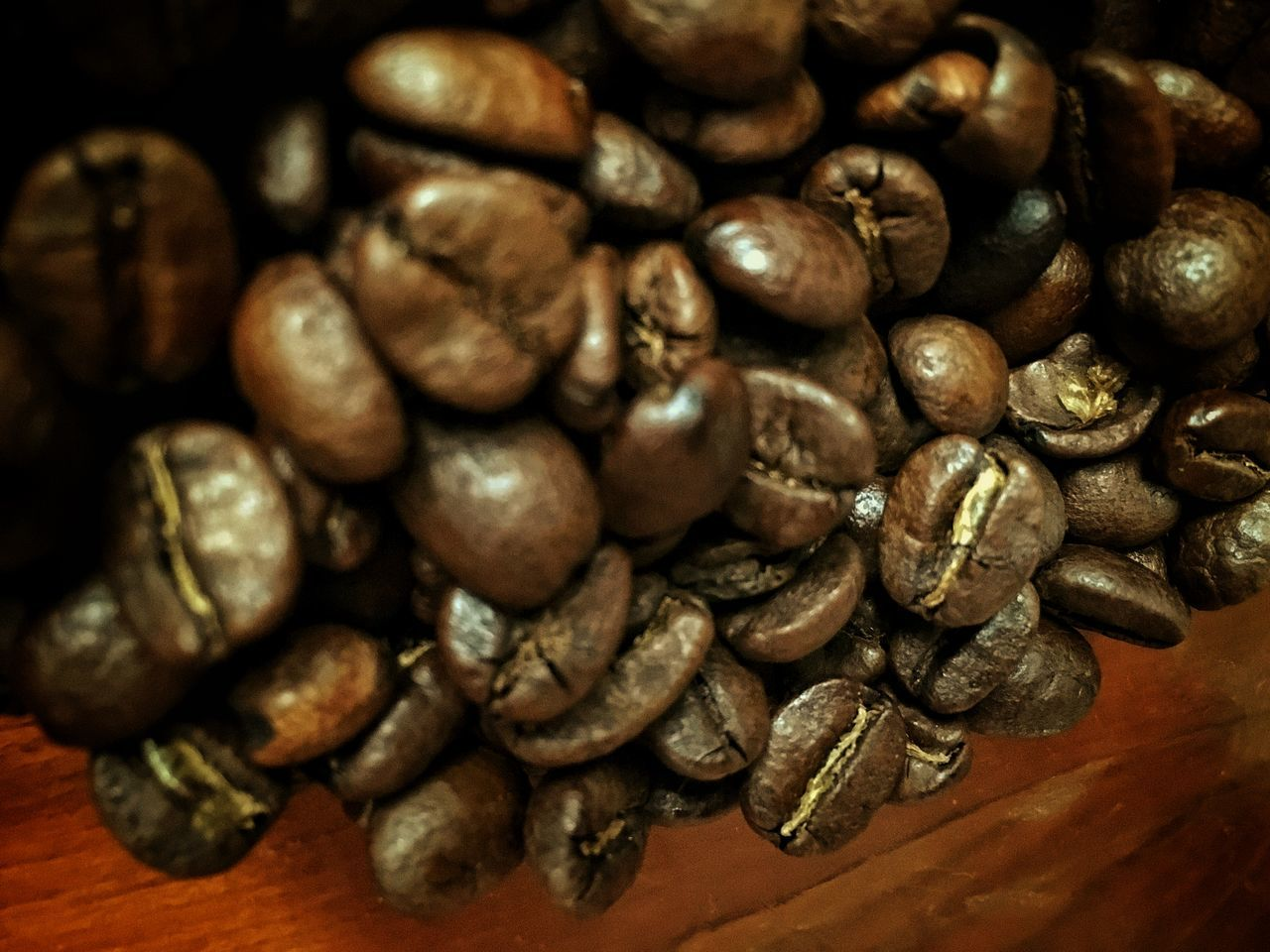 food and drink, coffee bean, still life, close-up, large group of objects, raw coffee bean, indoors, no people, brown, roasted, abundance, food, group of objects, backgrounds, freshness, healthy eating, day