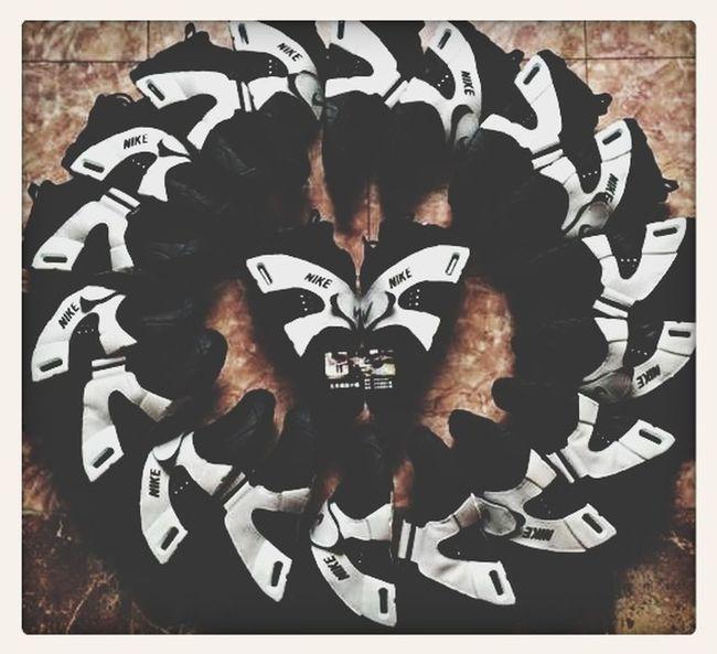 代购一切NB,AJ,Max90,一切男女潮鞋,欢迎带图询价!微信250506082 First Eyeem Photo
