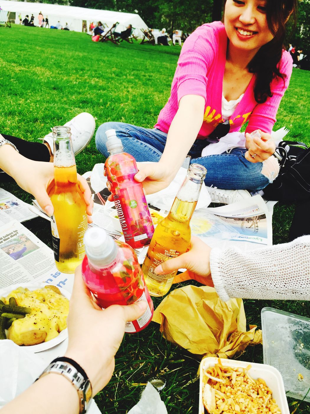 Good Weather:) Sunny☀ Sunny Day Hot Day Picnic Picnic Time ♡ London Uk Park Beer Corona