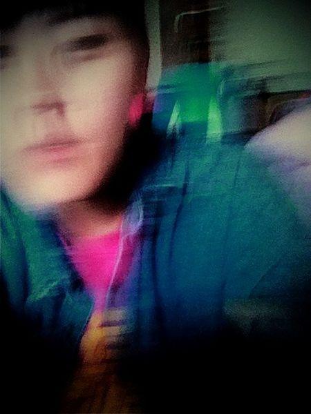 不驚異的ㄧ個動作,都能幻化成藝術,真感謝妳在我拍照的時候給我一個賴,讓我毀容