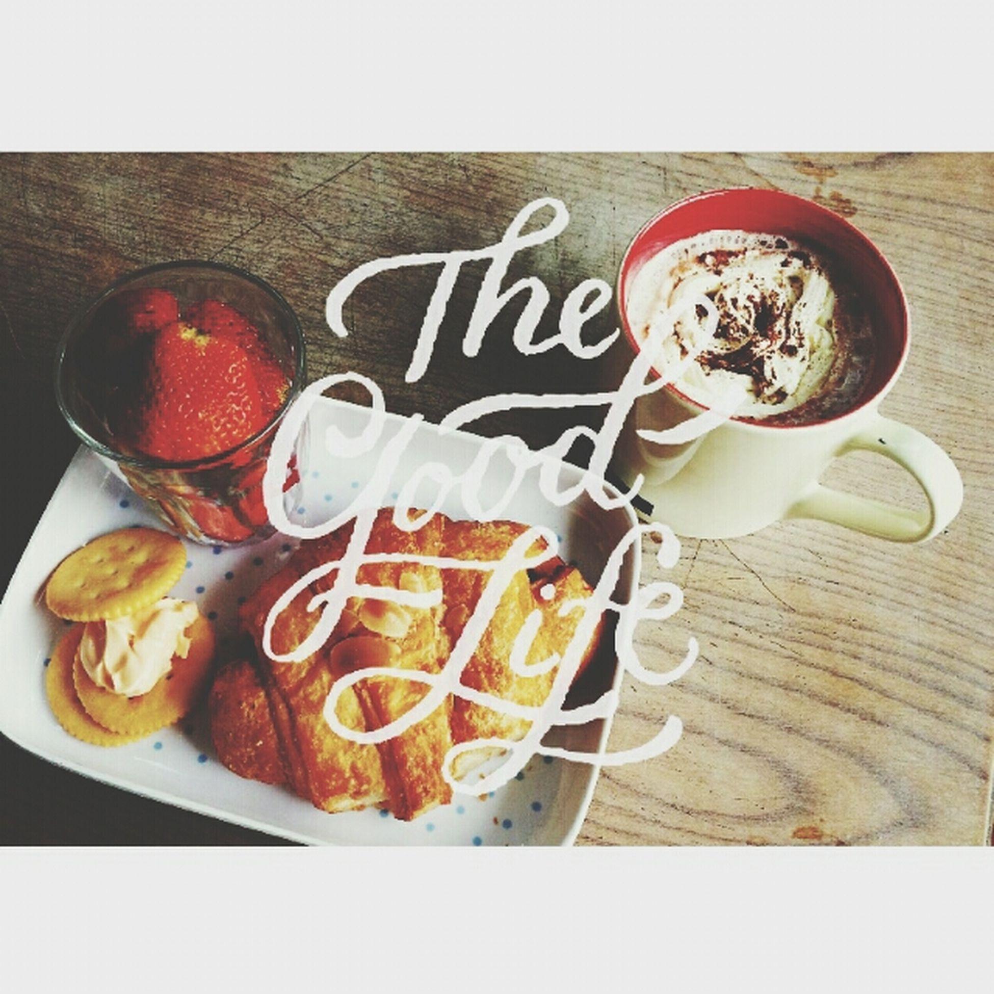 Monday morning Eating Breakfast ♥