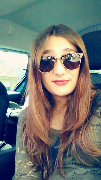 Relaxing Girl Fashion Lipstick Redlips Tumblrgirl Fashiongirl  Sunnglases