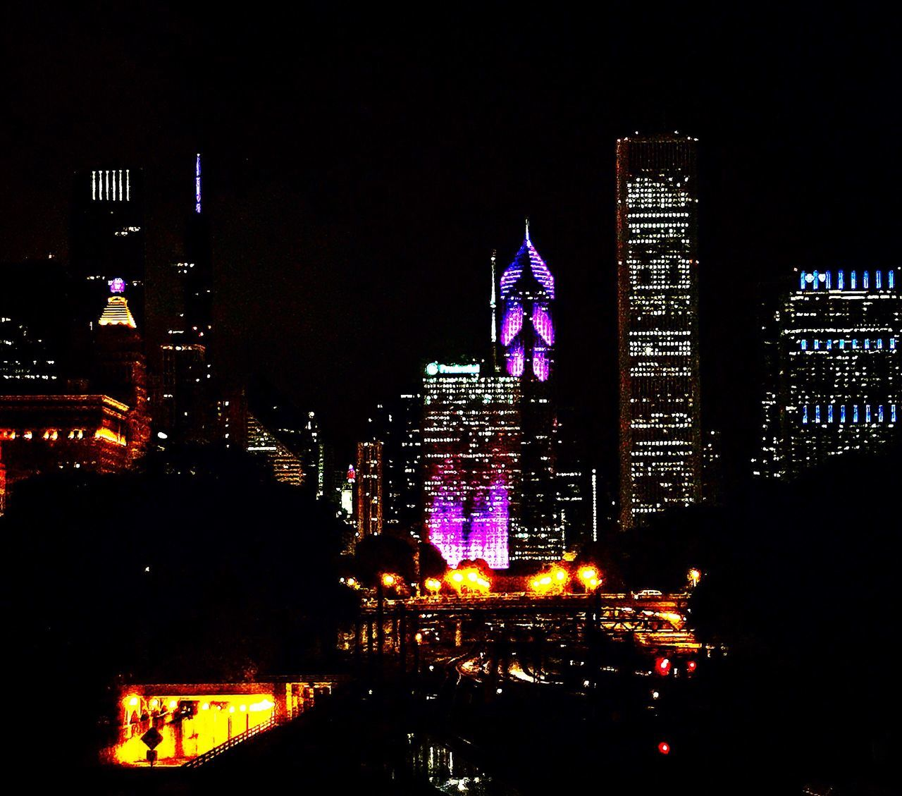 City lights✨✨ Night Night Lights Skyline In Chicago Skyline Colors Colour Of Life Eye4photography  Eyeemgallery EyeEm EyeEm Best Edits EyeEmBestPics Eyemphotography IPhone Amazing View Architecture