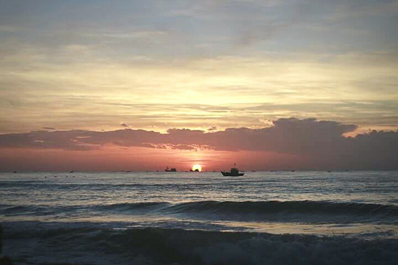 Morning in phan thiet beach Sunset Sea Outdoors Dramatic Sky Scenics No People Nature Beauty In Nature Day Sky Phanthiet PhanThietCity Vietnam Mytrip