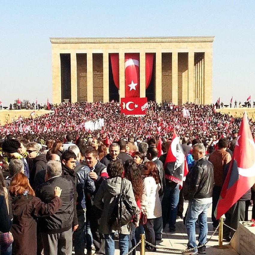 ATAT ürk An ıtkabir 1938 1881 love amazing photooftheday photography sky 10kasım 10november bayrak flag people
