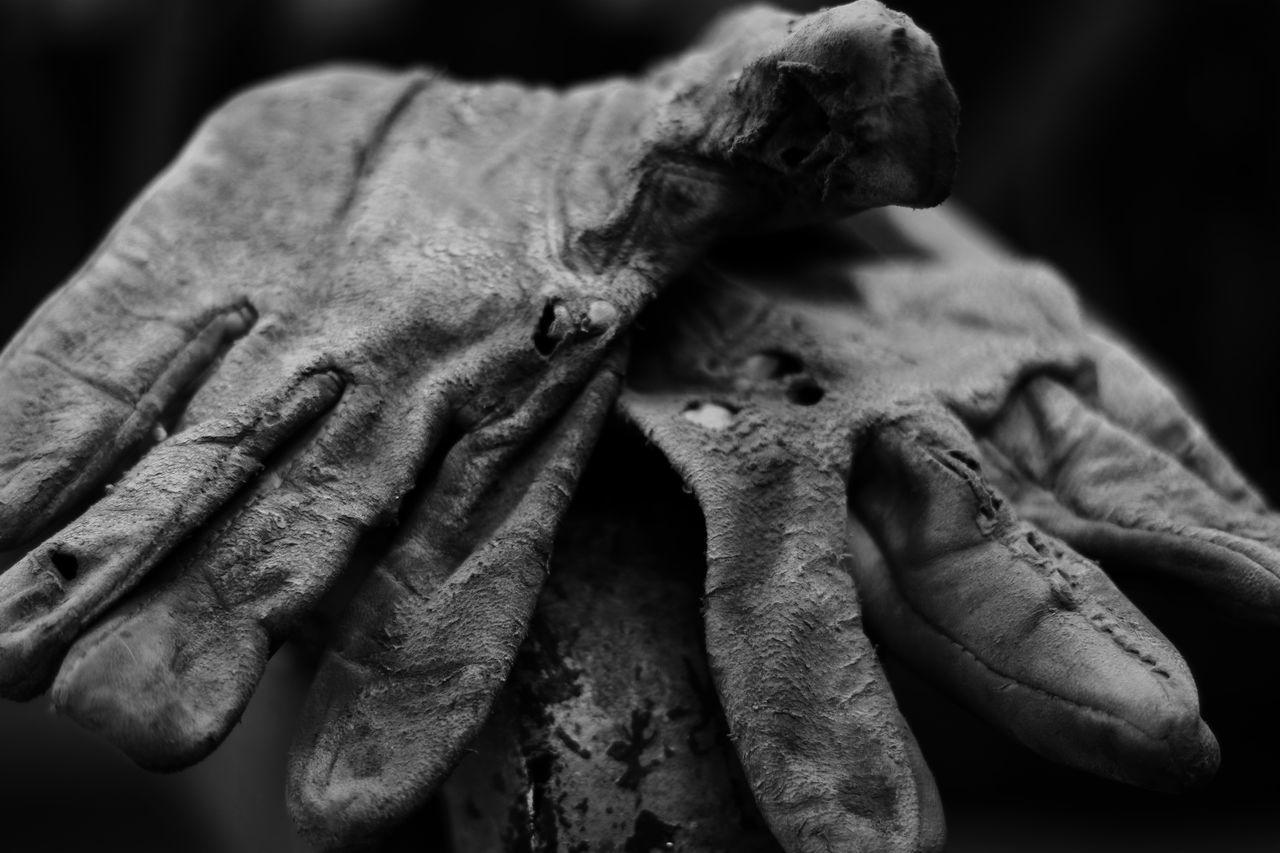Torn glove Art Authentic Moments Blackandwhite Close-up Craft Day EyeEm Best Edits EyeEm Best Shots EyeEmBestPics EyeEmNewHere Eyeemphotography Glove Hole Indoors  Leather Lieblingsteil Makro No People Stitches Vice Working