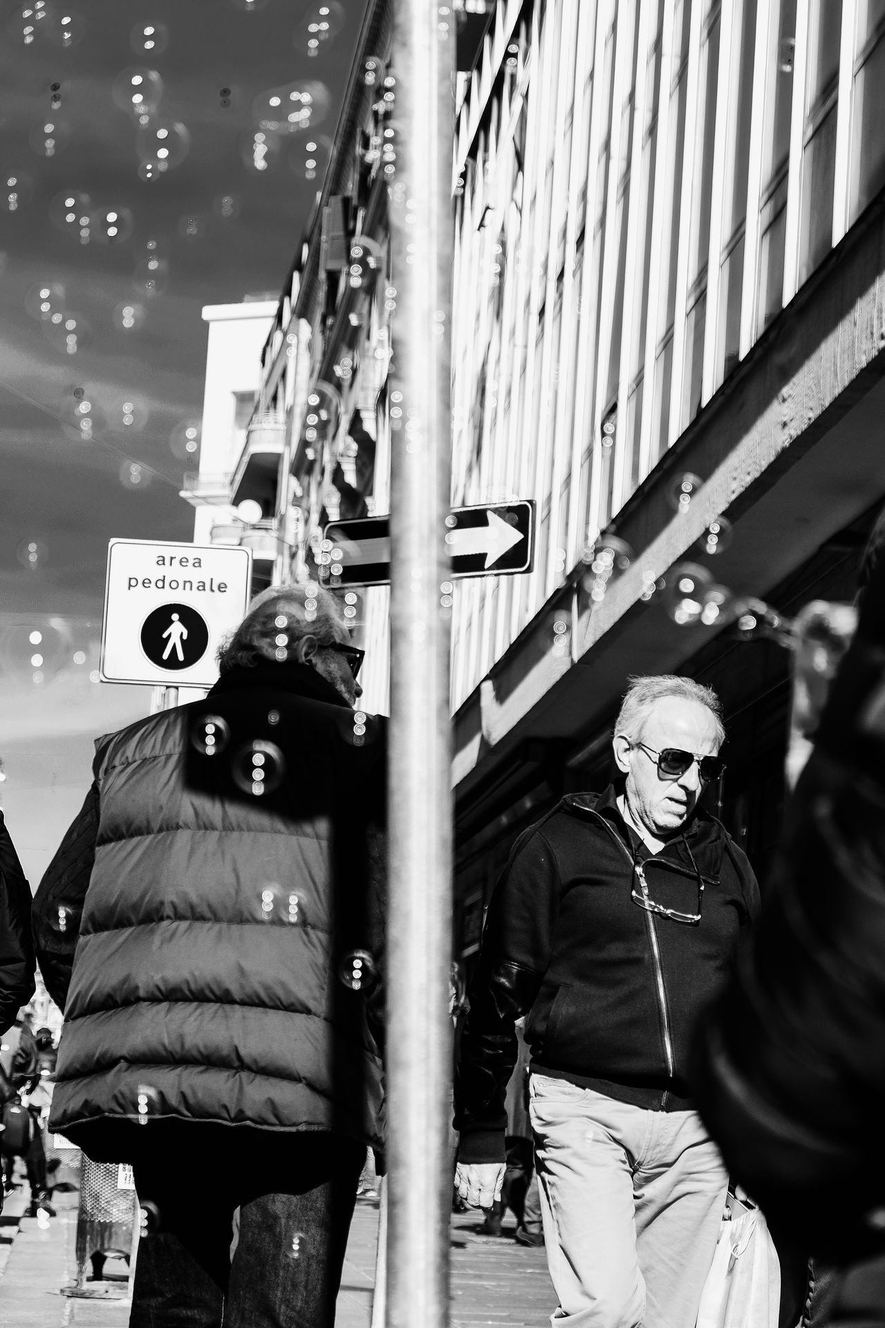 One Way Adult Adults Only Bubble Day EyeEm Best Shots EyeEm Streets From My Point Of View Hardhat  Headwear Men NEM Black&white NEM Street One Way Only Men Outdoors People Protective Workwear Real People Separation Shootermag Sky Street Streetphotography Two People Uniform EyeEmNewHere
